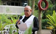 Professor Eraldo Ferraz, mestre de cerimônia no evento dos 60 anos
