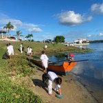 Ufal Penedo e grupo de capoeira fazem limpeza das margens do São Francisco
