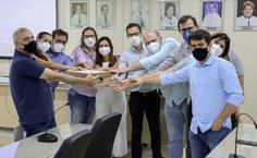 Gestores e pesquisadores recebem  projeto executivo do futuro laboratório NB3